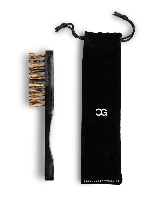 //d2ipbmxiqzv2yd.cloudfront.net/image/catalog/cphgrooming/products/beardbrush/pack-brush-03-600x800.png
